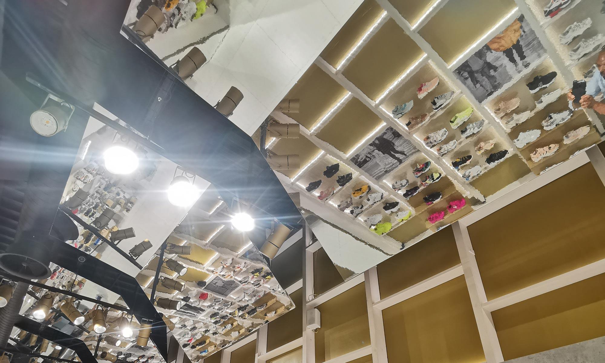 https://www.atelierzoz.com/wp-content/uploads/2020/03/works_atelierzoz_sneakershero-nicosia-2.jpg