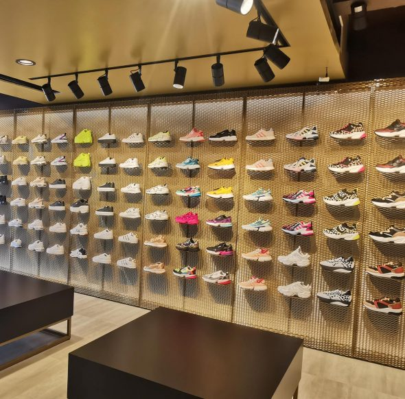 SNEAKERSHERO Store | Paralimni